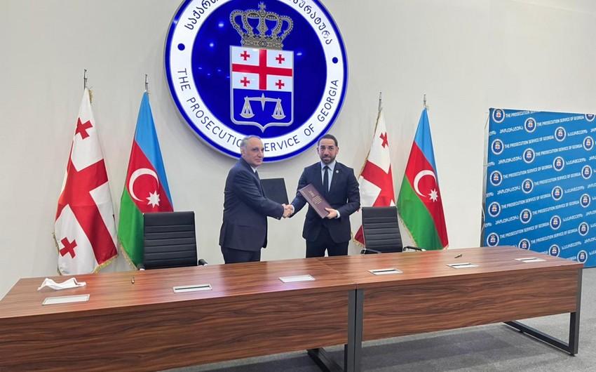 Azərbaycan və Gürcüstanın Baş prokurorları arasında görüş baş tutub (FOTO)
