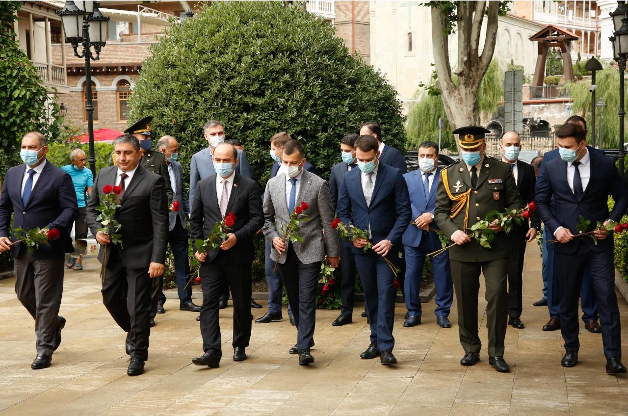 Azərbaycanın Milli Qurtuluş Günü Tbilisidə qeyd olunub (FOTO)